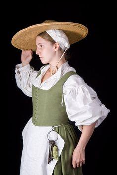 Daze of Laur - Green Linen Peasants (idea for peasants garb)