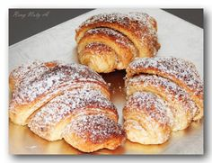Jemné výborné croissanty s ořechovou náplní