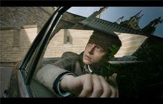 """A Cure For Wellness: Durstige Patienten  Regisseur Gore Verbinski, dessen bunte Filmografie Titel wie """"Fluch der Karibik"""" und """"Ring"""" beinhaltet, lädt mit seinem neuesten Thriller in ein notorisch unheimeliges Schweizer Wellness-Schloss, das er so visuell atemberaubend inszeniert, wie mit Horrorklischees überlädt.  Kinostart: 23.02."""