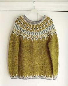 Ravelry is a community site, an organizational tool, and a yarn & pattern database for knitters and crocheters. Icelandic Sweaters, Crochet Poncho, Pulls, Ravelry, Sweater Cardigan, Knitwear, Winter Outfits, Knitting Patterns, Cardigans
