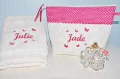 Box cadeau bain:Trousse de toilette + serviette papillons personnalisées brodée pour femme,fille,noel, naissance,anniversaire,noel : Trousses par lbm-creation