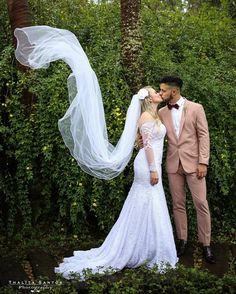 #wedding #weddingdress  #vestido #noiva #bride #casamento #noivos #fotografia…