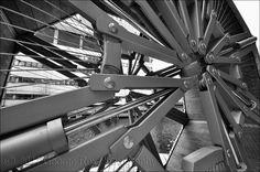 Rolling Bridge, mechanism | Thomas Heatherwick, 2004. Close-… | Flickr