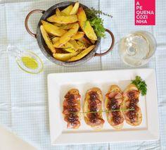 Entradas delícias: Brusquetas de Linguicinhas e Cebola Caramelizada e Batatas Assadas com Alecrim <3  www.apequenacozinha.com