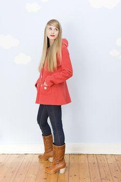 Ausgestellte rote 60er Jacke