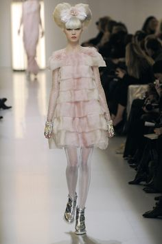 chanel haute couture 2010 | Chanel - Paris Haute Couture Fashion Week SS 2010