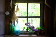 la porte rouge: the scent of lilacs