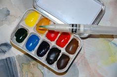 Make your own travel watercolor kit from an Altoid tin.