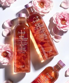 Rose Deep Hydration Toner Meet our new liquid skincare superstar. Infused with real rose petals, Rose Deep Hydration Facial Toner gently cleanses and softens skin. Available now at Sephora and Fresh shops. Toner Facial, Beauty Care, Beauty Skin, Huda Beauty, Beauty Makeup, Beauty Products You Need, Fresh Products, Skin Care Products, Natural Beauty Products
