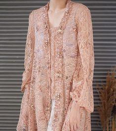 Kebaya Lace, Kebaya Hijab, Kebaya Dress, Pakistani Fashion Casual, Pakistani Outfits, Muslim Fashion, Model Kebaya Modern, Kebaya Modern Dress, Dress Brukat