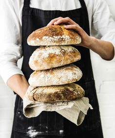 Juurileivonta: tee juuri, hoida sitä ja leivo ihania herkkuja | Maku Bread Recipes, Cooking Recipes, Savory Pastry, Our Daily Bread, Bread Baking, No Bake Cake, Hot Dog Buns, Baked Goods, Bakery