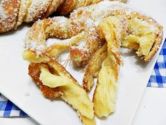 Romanian Food, Pastry Cake, Just Cooking, Onion Rings, Cake Recipes, Bacon, Food And Drink, Cooking Recipes, Sweets