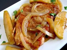 Pork chops smothered with apples, onions, cinnamon, and butter make for a rich and flavorful main dish. Swap out 1 Tb butter with EVOO and it would be healthy enough Pork Recipes, Cooking Recipes, Healthy Recipes, Cajun Cooking, Apple Pork Chops, Turkey Chops, Pork Loin, Spiced Apples, Pork Dishes