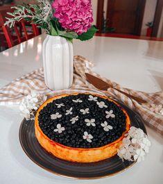 Borůvkový cheesecake (bez lepku) Cheesecake, Camembert Cheese, Fitness, Desserts, Food, Tailgate Desserts, Deserts, Cheese Pies, Cheesecakes