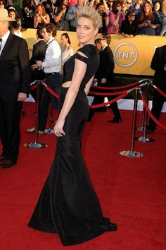 Amber Heard wears a Zac Posen dress.  2012 SAG awards. I am LOVING these cut outs in these dresses :)