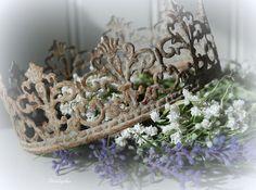 Crown ~