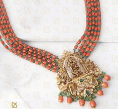 Gold Temple Jewellery, Gold Jewellery Design, Bead Jewellery, Pearl Necklace Designs, Beaded Jewelry Designs, Indian Wedding Jewelry, Indian Jewelry, Gemstone Brooch, Coral Jewelry