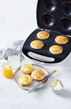 With just 4 ingredients and a Kmart pie maker at the ready, it's possible to whip up some of the fluffiest lemonade scones you'll ever try. Mini Pie Recipes, Waffle Maker Recipes, Puff Pastry Recipes, Apple Recipes, Sweet Recipes, Cake Recipes, Dessert Recipes, Cooking Recipes, Breville Pie Maker