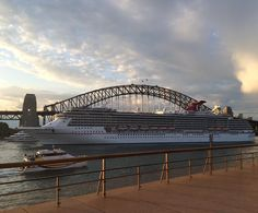 #sydney #harbourbridge #sydneyharbourbridge #cruiseship #ferry #nsw #visitnsw #australia #nofilter #waylatergram #シドニー #オーストラリア #クルーズ船 by alexnxy http://ift.tt/1NRMbNv