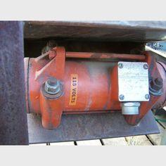 Proveedor de vibrador industrial Vibco a nivel mundial | Vibrador usado Vibco 2P-450 a la venta - Savona Equipment