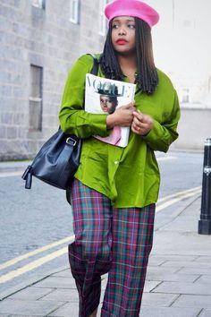 2019 fashion staples: Ada wearing green shirt and check trousers Curvy Fashion, Plus Size Fashion, Female Fashion, Fashion Black, Petite Fashion, Style Fashion, Fall Fashion Trends, Autumn Fashion, Fashion Bloggers