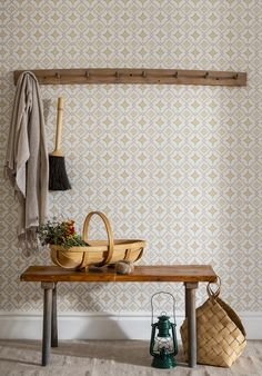 The wallpaper Börsjö - from Duro is a wallpaper with the dimensions . The wallpaper Börsjö - belongs to the popular wallpaper collection Gammalsven Swedish Cottage, Swedish House, French Country Cottage, Scandinavian Wallpaper, Scandinavian Interior, Comedor Office, Classic Wallpaper, Interior Wallpaper, Home Decor Inspiration
