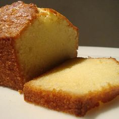 This is the real deal. Unlike other pound cake recipes, this one does not have sour cream or cream cheese. It gets all its flavor and mois. Un Cake, Bread Cake, Pan Dulce, Mexican Food Recipes, Sweet Recipes, Pound Cake Recipes, Bread Recipes, Galette, Biscuits
