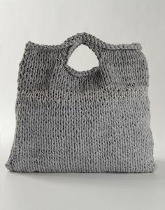 347cab4ae58d1a Wil je weten hoe je zelf een leuke tas kan breien  Kijk op www.