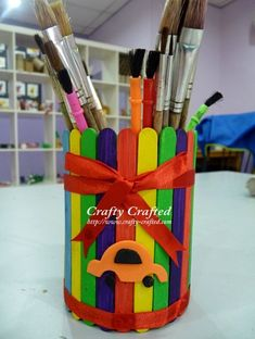 ow to make craft stick pencil holder It's simple to make a pencil holder. Do it yourself!