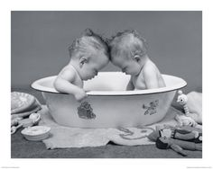 Twins, or cousins born around the same age, a great photo shoot idea!