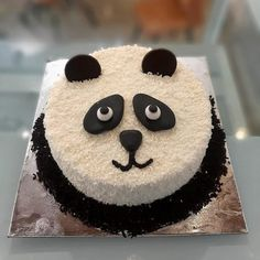 15 Panda Cake Ideas That Are Absolutely Beautiful Panda Birthday Cake, Girly Birthday Cakes, Number Birthday Cakes, 9th Birthday, Panda Bear Cake, Panda Cakes, Bear Cakes, Cake Decorating Designs, Easy Cake Decorating