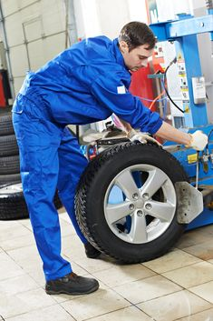 Changing the car tyres by yourself in an emergency can be incredibly difficult. An emergency tyre fitting service can help you out in this situation. Mobile Tyre Fitting, Best Mobile, Baby Strollers, Automobile, Royalty Free Stock Photos, Car Tyres, Image, Wheels
