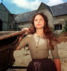 bathsheba everdene as an effective feminist essay In victorian england, the independent and headstrong bathsheba everdene attracts three very different suitors: gabriel oak, a sheep farmer frank troy, a reckless sergeant and william boldwood, a prosperous and mature bachelor.