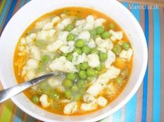 Hrášková polievka (Slovak green pea soup with dumplings) Easy Recipes For Beginners, Fun Easy Recipes, Top Recipes, Good Healthy Recipes, Healthy Soup, Healthy Snacks, Easy Meals, Cooking Recipes, Root Vegetable Gratin