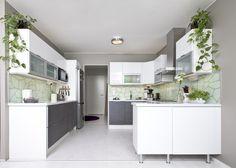 Tämän keittiön omistaja on ammattikokki, joka arvostaa ruoanlaiton vaivattomuutta. Tästä syystä keittiössä on paljon lasku- ja työskentelytilaa.