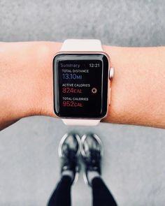How I use my apple watch for fitness and running workouts Used Apple Watch, Apple Watch Iphone, Apple Watch Series, Apple Watch Bands, Smart Watch Apple, Smartwatch, Apple Watch Fitness, Apple Watch Fashion, Running Workouts