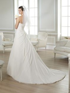 TERESA / Wedding Dresses / White One 2014 Collection / San Patrick (back)