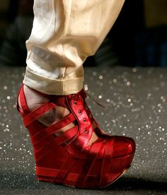 Fashion & Lifestyle: Jean Paul Gaultier Shoes... Spring 2013 ...800 x 937100.1KBzoccao.blogspot.com