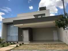 THAIS GREI Home Building Design, Building A House, Patio Interior, Facade House, Modern House Design, Exterior Design, Bungalow, New Homes, Architecture