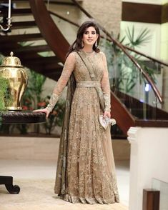 Wedding Party Outfits Receptions Bridal Shower 63 New Ideas Indian Wedding Gowns, Pakistani Wedding Dresses, Pakistani Dress Design, Pakistani Outfits, Indian Outfits, Bridal Anarkali Suits, Shadi Dresses, Indian Gowns Dresses, Girls Dresses