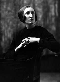Edith Sitwell — a bit late for Edwardian, but nonetheless