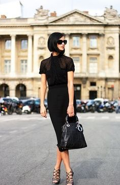 10. #Sleek and Chic - 39 Fabulous #French Street #Style Looks ... → #Streetstyle #Black