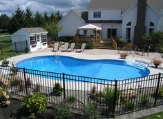 Having a pool sounds awesome especially if you are working with the best backyard pool landscaping ideas there is. How you design a proper backyard with a pool matters. Fence Around Pool, Landscaping Around Pool, Pool Fence, Landscaping Tips, Landscaping Supplies, My Pool, Swimming Pools Backyard, Swimming Pool Designs, Bungalow