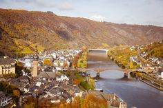This is the Moezel in Germany. At the Moezel there is this place Cochem. Cochem is a good place to visit. This view is from the castle in Cochem. Cool Places To Visit, Photo S, Castle, Germany, River, Spaces, Photography, Photograph, Deutsch