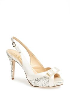 Just the right amount of sparkle on these bow adorned bridal shoes!