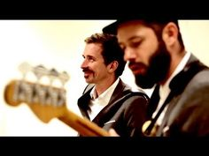 "Rekorder: WhoMadeWho spielen ""Keep Me In My Plane"" - YouTube"