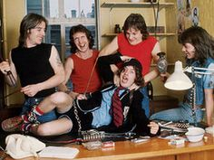 Full AC/DC Discography Now on iTunes!