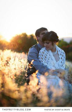 Sweet couple shoot at sunset | Photographers: Shoot & Create
