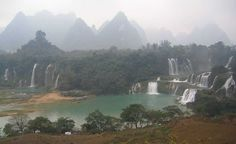 Detian Falls  Top 10 Greatest Waterfalls in the World  http://www.traveloompa.com/top-10-greatest-waterfalls-in-the-world/