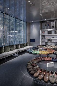 Retail Design | Store Interiors | Shop Design | Visual Merchandising | Retail Store Interior Design | Selfridges London Shoe Gallery / Vincent Van Duysen Architects